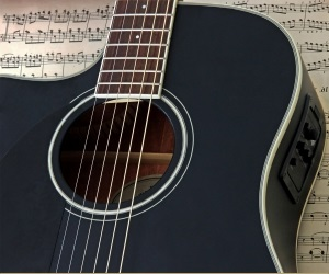 acoustic guitar black